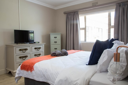 2 on Lismore, Arum Suite, Accommodation, Cape Town